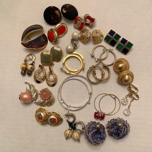 21 pairs of costume jewelry Earrings